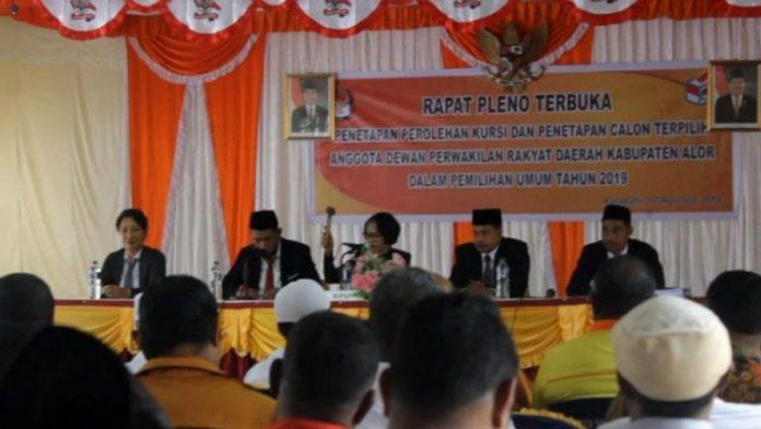 Rapat Pleno Terbuka penetapan kursi dan calon terpilih Anggota DPRD Alor Tahun 2019, Sabtu (10/8), di ruang sidang KPU, Kalabahi.