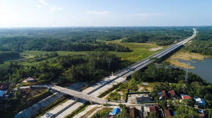 Foto: Proyek jalan Tol Balikpapan - Samarinda. (Sumber: Akun Facebook, Presiden Joko Widodo).