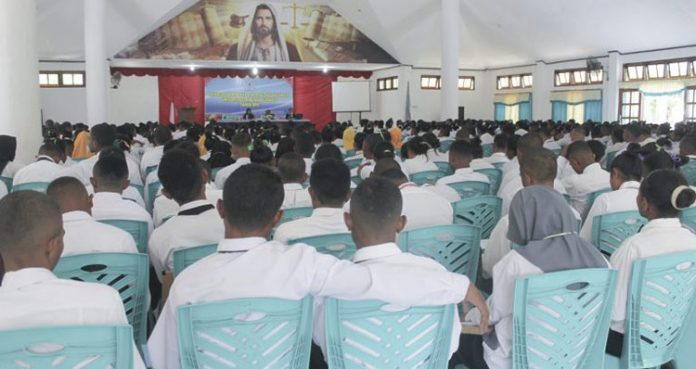 500an Mahasiswa baru Untrib sedang mengikuti materi Ospek di Aula Pola Tribuana, Rabu (4/9).