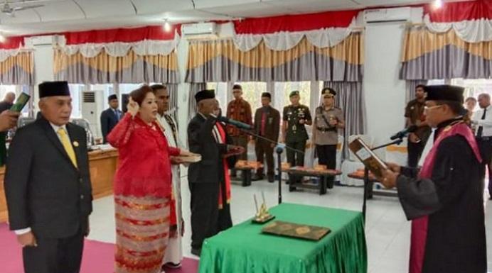 Pimpinan DPRD Alor dilantik oleh Ketua Majelis Hakim Pengadilan Negeri Kalabahi