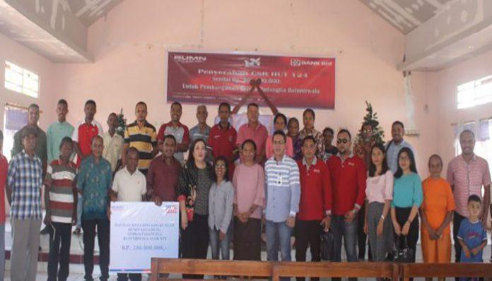 Bantuan CSR BRI Rp. 200 juta yang diserahkan kepada Jemaat Padangtia Batunirwala, Sabtu (21/12) pagi di kota Kalabahi, ibu kota Kabupaten Alor.
