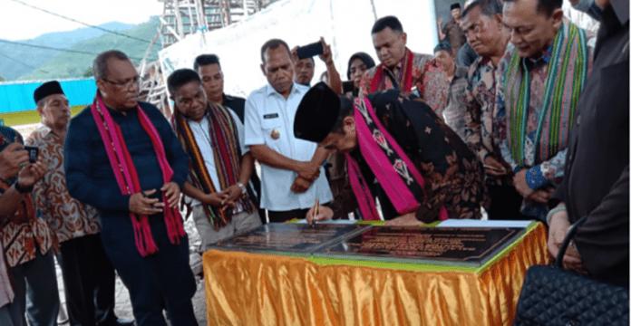 Menteri Agama Jenderal TNI (Purn) Fachrul Razi meresmikan gedung KUA Alor, Sabtu (28/12/2019) di Kalabahi.