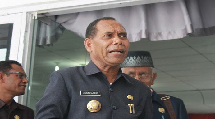 Bupati Alor Drs. Amon Djobo