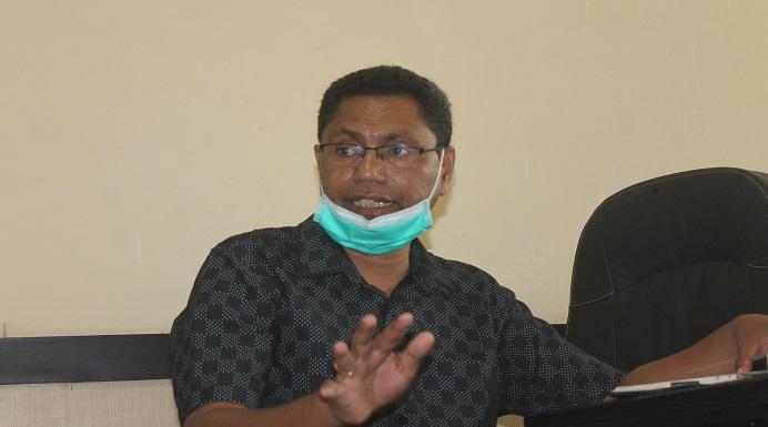 Pj Sekda Alor sekaligus Ketua TAPD Kabupaten Alor, Yustus Dopongabora, SP