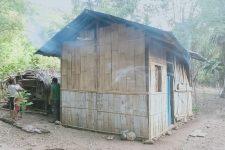 Rumah Oma Sufia Tang di RT 5 RW 4 Desa Alila Timur Kecamatan Kabola, Alor, NTT.