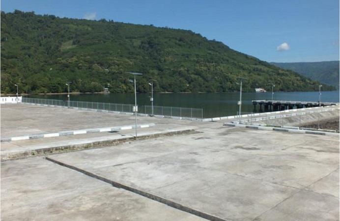 Proyek Pelabuhan Peti Kemas Moru, Alor, NTT yang dibangun sejak tahun 2012, sumber dana APBN senilai Rp. 60 Miliar lebih, ternyata belum difungsikan. (Sumber Foto: Kemenhub RI).