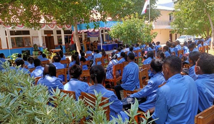 Wakil Bupati Alor Imran Duru, S.Pd buka acara KBPM Untrib, Senin (27/7) di halaman Kampus Untrib.