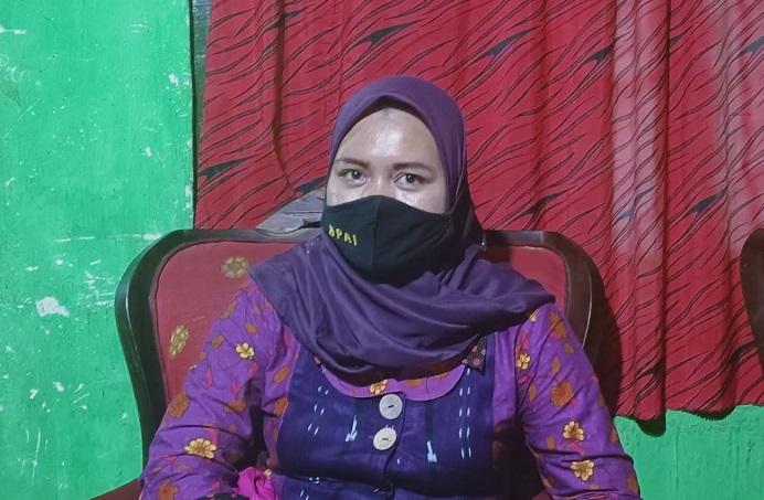 Komisioner KPAI Ai Maryati Solihah, M.Si ketika tiba di Alor, NTT pada Jumat (13/11) untuk memantau kondisi korban kekerasan tindak pidana persetubuhan anak di BMKG Alor.