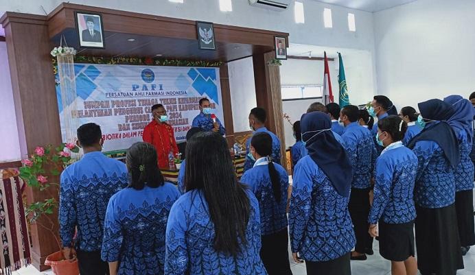 Pengurus PAFI Cabang Kabupaten Alor Periode 2019-2024 resmi dilantik oleh Ketua Pengurus Daerah PAFI Provinsi NTT Tamran Ismail, S.Si.,MP, Sabtu (5/12) di aula Kopdit Citra Hidup Kalabahi.