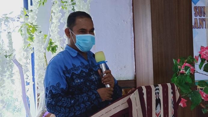 Ketua Pengurus Daerah PAFI Provinsi NTT Tamran Ismail, ketika sambutan di acara pelantikan Pengurus PAFI Cabang Alor, Sabtu (5/12/2020) di Aula Kopdit Citra Hidup, Kalabahi.