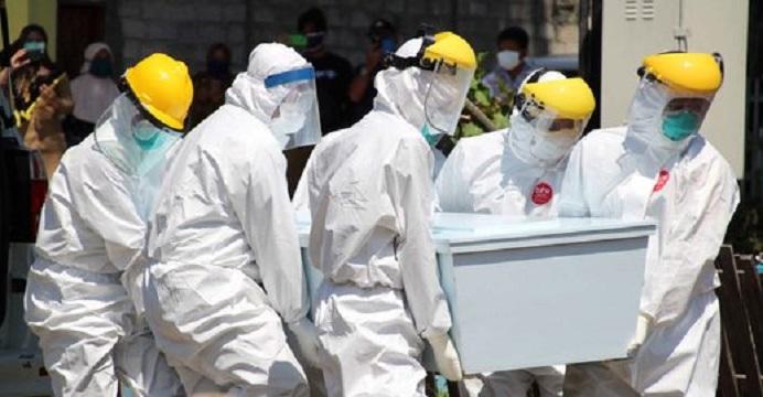 Gambar: Jenazah pasien Covid-19 meninggal di Tasikmalaya. (Foto: Merdeka.com).