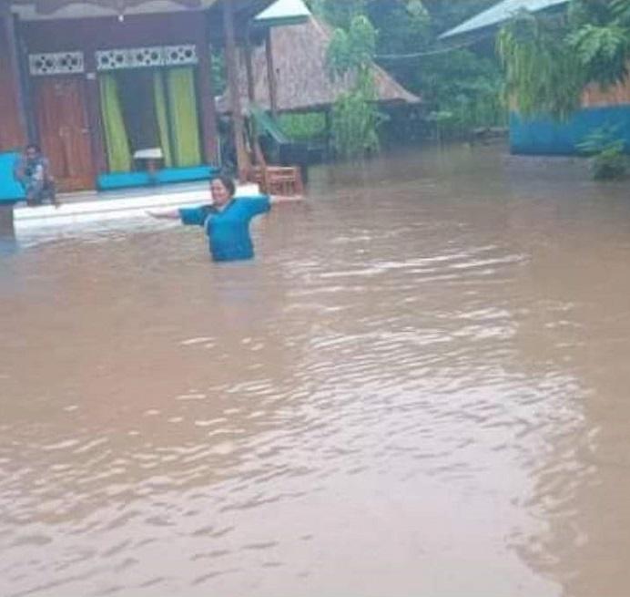 Bencana banjir yang meredam Desa Maritaing Kecamatan Alor Timur pada Senin (1/2/2021) petang. Banjir itu disebabkan tanggul penahan banjir yang jebol.