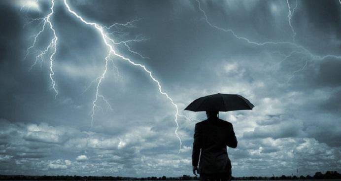 Gambar: Ilustrasi cuaca buruk