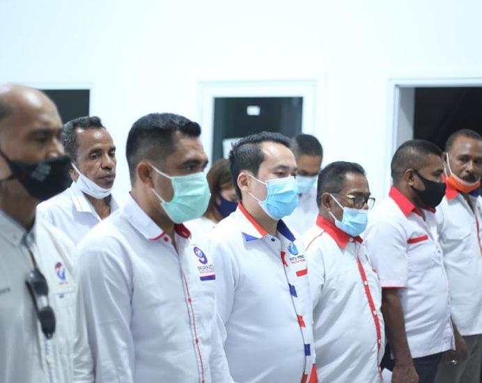 Rocky Winaryo dan Pengurus DPD PERINDO Alor dilantik DPP, Jumat (12/3) di Kupang