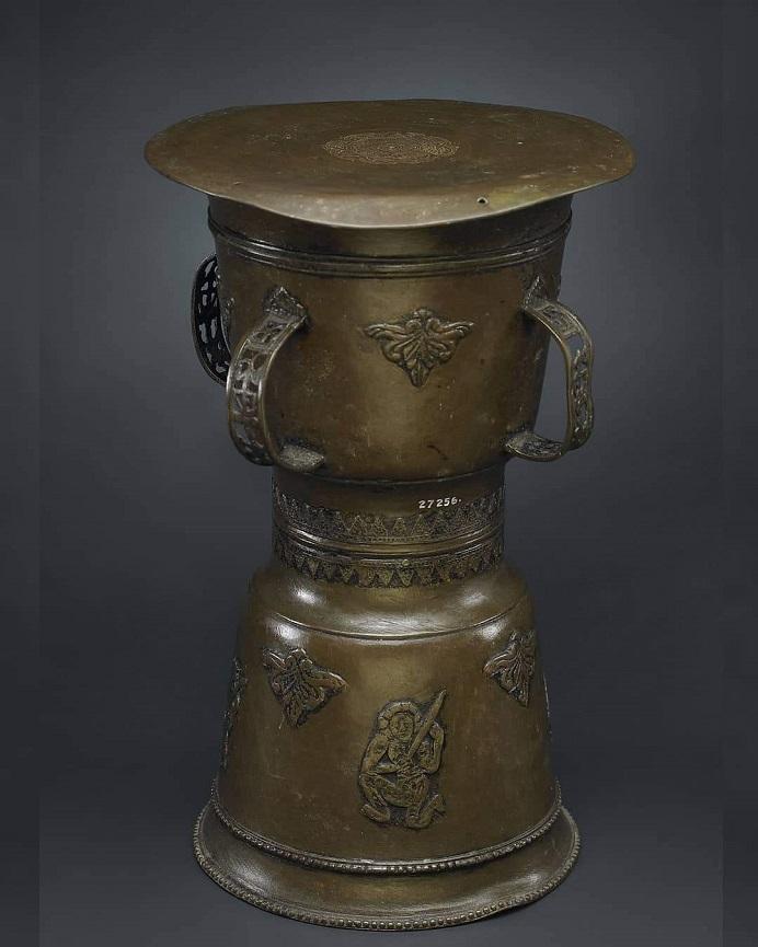 Gambar: Salah satu Moko Alor yang dipakai untuk tujuan belis di Kabupaten Alor, NTT. (Sumber: Museum Nasional Indonesia).