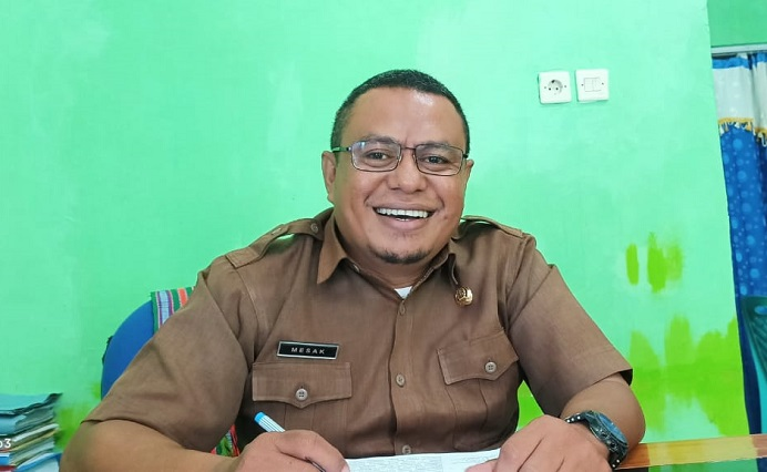 Sekretaris Dinas pendidikan Kabupaten Alor, Mesak A. Malailak, S.Pd.,M.Pd