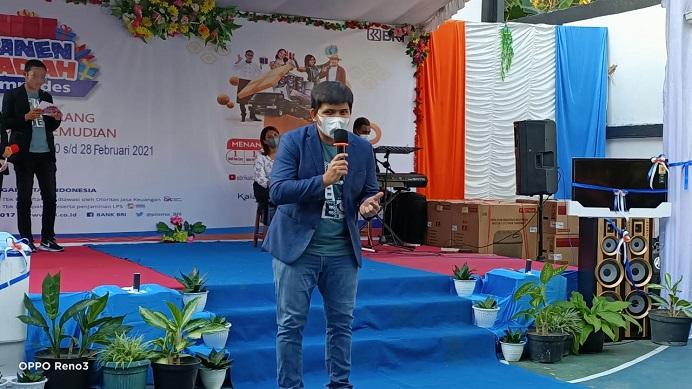 Pimpinan Cabang BRI Kalabahi Veirdhy Yosua R.B.S sambutan di acara pembukaan panen hadiah Simpedes.