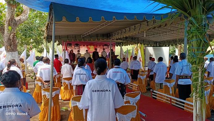 Suasana pelantikan DPC Gerindra Kabupaten Alor, Sabtu (28/8) di Kalabahi Tengah. Acara itu dilakukan dengan disiplin Protkes yang ketat.