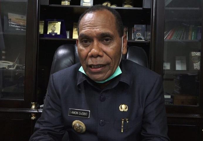 Bupati Alor Drs. Amon Djobo. (Foto: digtara.com).